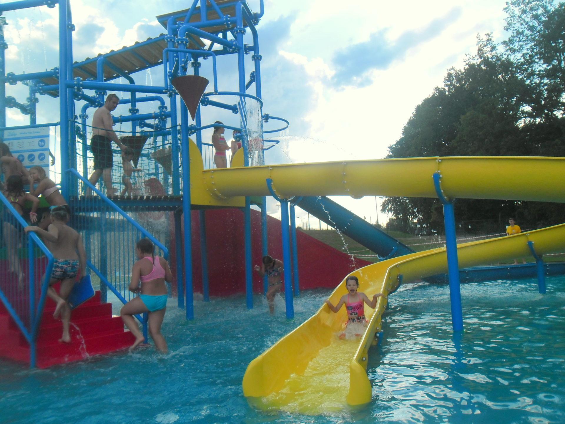 Wodny plac zabaw i basen MOSiR w Piekarach Śląskich