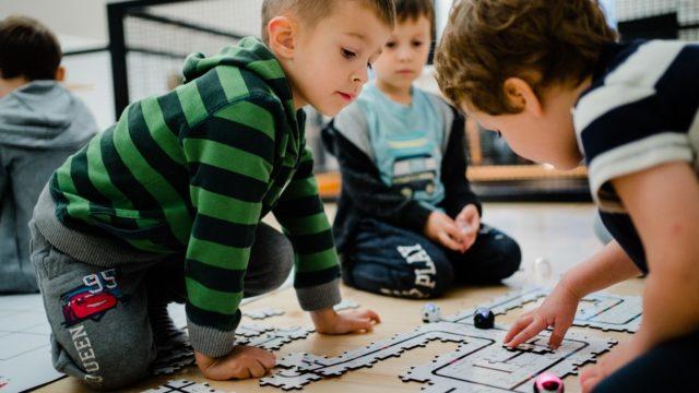 Kodowanie na dywanie 3-4 latki